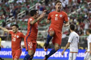 Eduardo Vargas has a hat trick in Chile's Copa America quarterfinal vs. Mexico