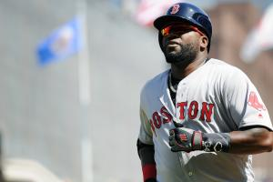 Watch: Red Sox' David Ortiz steals second base