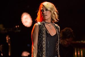 Carrie Underwood sings Sunday Night Football song
