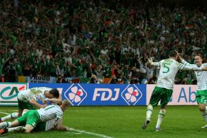 Ireland edges Italy, advances in Euro 2016