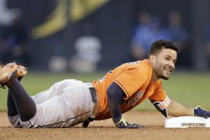 Jose Altuve trips going for triple, cycle
