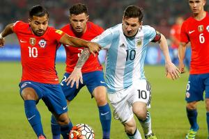Copa final a chance for Messi to end title drought