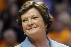 Former Tennessee coach Pat Summitt 'struggling'