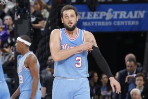 Report: Marco Belinelli breaks jaw in Europe