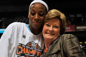 Former players react to Pat Summitt's death