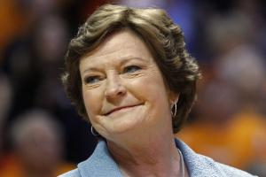 Pat Summitt passes away at age 64