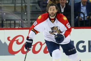 Jaromir Jagr made lunch for a paparazzo