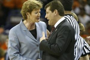 Geno Auriemma remembers Pat Summitt