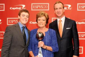 Peyton Manning shares memories of Pat Summitt