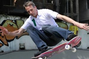 Watch: Tony Hawk landed a 900 at age 48