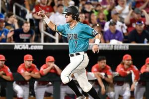 Coastal Carolina forces Game 3 with Arizona