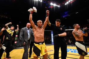 UFC 200: Aldo defeats Edgar to win interim title