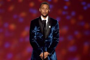 Stephen Curry and Chance the Rapper dance to Viral video jingle