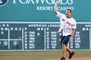 Watch: Gronk throws out first pitch at Fenway
