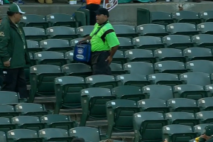 WATCH: Vendor gets hit in the butt with foul ball