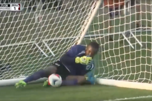 Minnesota United goalie throws ball in own goal