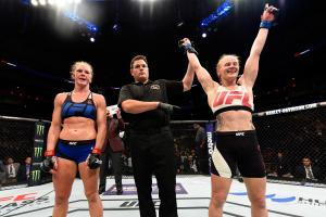 Shevchenko beats Holm at UFC on FOX 20