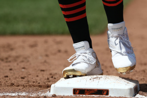 Players honor Ken Griffey Jr. with special cleats