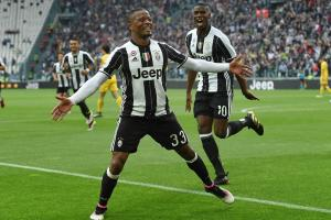 Evra welcomes Higuain to Juventus with running man