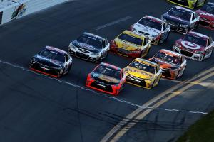 Hamlin wins Daytona 500 by .0010 seconds