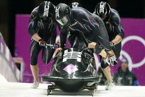 U.S.' Holcomb navigates on-, off-track obstacles for 2n...