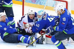 T.J. Oshie shares spotlight in Team USA's win over Slov...