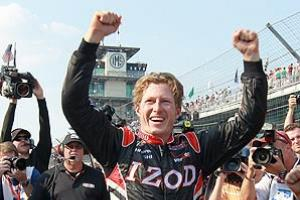 Ryan Briscoe (above) edged out James Hinchcliffe for the Indy 500 pole by a mere .0023 seconds.