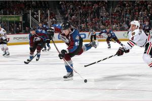 Niklas Hjalmarsson and the Hawks couldn't keep up with Gabriel Landeskog and the fleet young Avs.