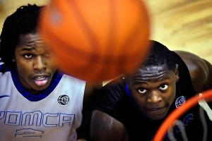 Eric Bossi: Julius Randle commits to Kentucky, adds to...