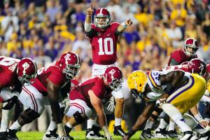AJ McCarron (10) completed a last-minute, game-winning TD pass in last year's 21-17 victory over LSU.