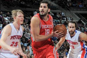 After falling out of favor in Cleveland last season, Omri Casspi is finding a niche in Houston.