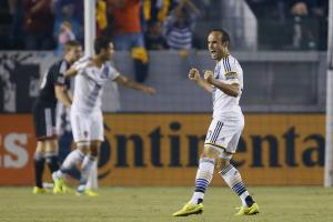 Landon Donovan breaks MLS assist record