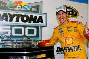 2015 Daytona 500 Joey Logano prepares to defend title