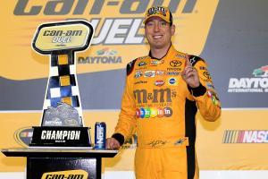 Kyle Busch starts Sprint Cup championship defense