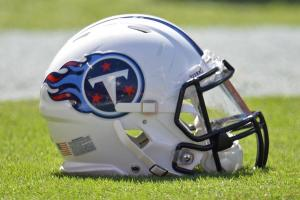 Report: Titans want to trade up from No. 15 pick