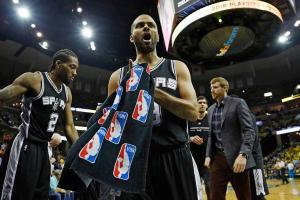 Tim Duncan nearing history as Spurs sweep Grizzlies