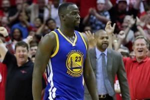 Draymond Green deflects reporter's question about flood...