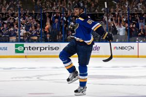 Blues eliminate defending Stanley Cup champion Blackhaw...