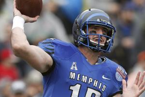 Broncos trade up to nab Paxton Lynch