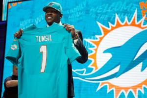 Watch: Laremy Tunsil pot video leaked minutes before dr...
