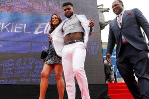 Draftees bring style to 2016 NFL Draft
