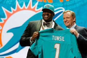 Laremy Tunsil must make smart decisions after bizarre d...