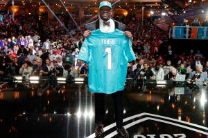 Report: Dolphins believe Laremy Tunsil's former advisor...