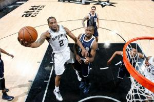 Spurs blast Thunder in conference semifinals opener