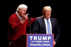 Donald Trump misspells Bobby Knight's name