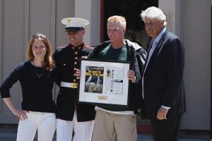 Former MLB pitcher Bill Laskey honors high school athle...