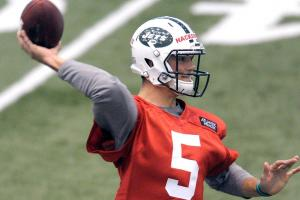 Will Jets bring back Fitz or count on a young rookie?