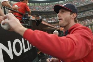 Max Scherzer plays catch with Mets fan