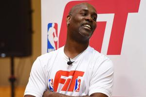 Gary Payton laughs at quality of defense in NBA playoff...