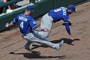 Alex Gordon placed on DL with broken hand